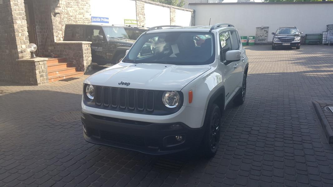 bialy-Jeep-Renegade